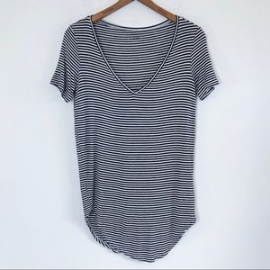 Mudd Tunic T Shirt Striped V Neck Black & White S
